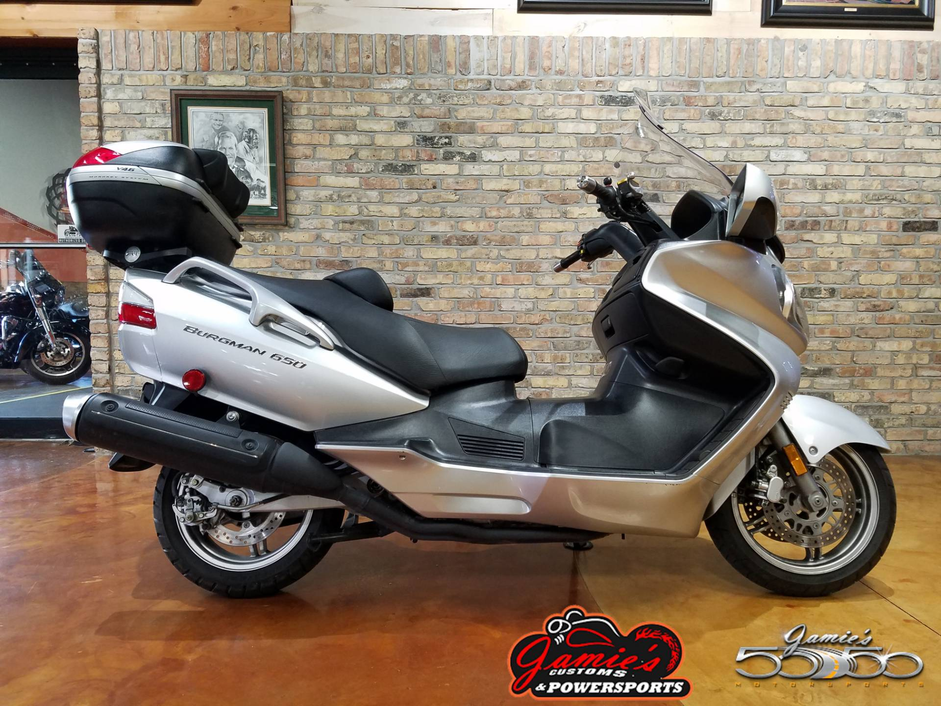2005 Suzuki Burgman 650 in Big Bend, Wisconsin - Photo 2