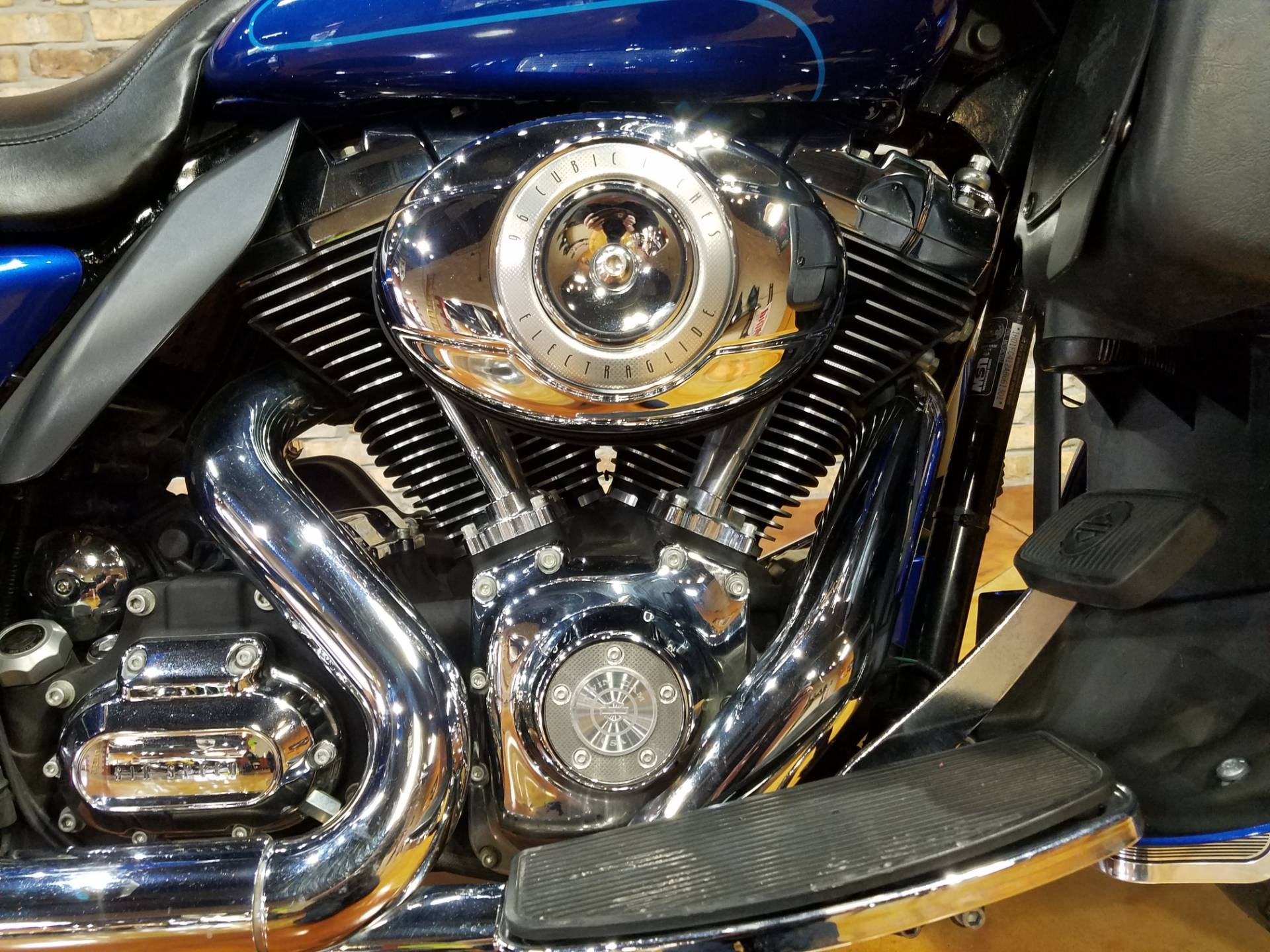 2010 Harley-Davidson Ultra Classic® Electra Glide® in Big Bend, Wisconsin - Photo 11