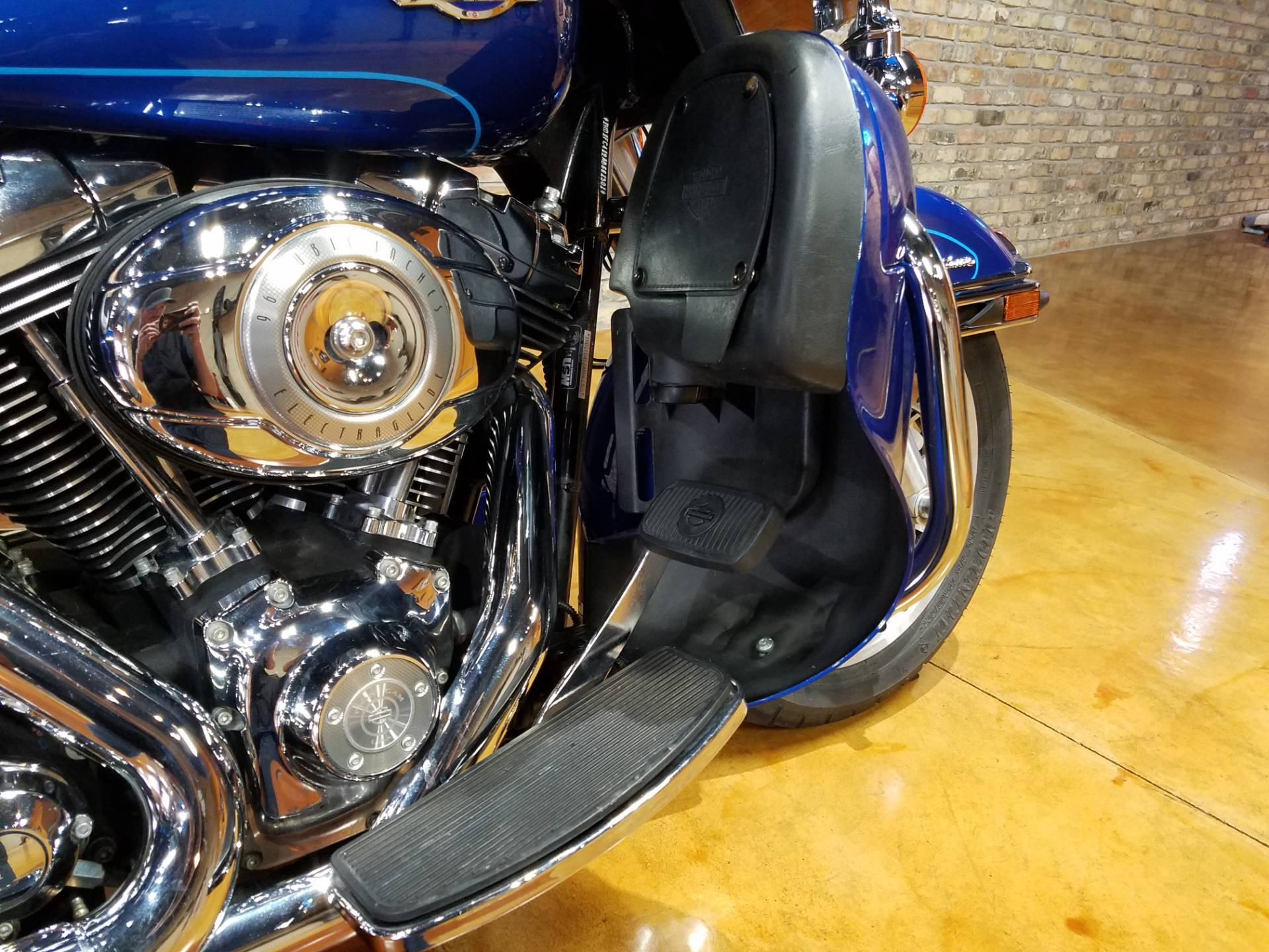 2010 Harley-Davidson Ultra Classic® Electra Glide® in Big Bend, Wisconsin - Photo 15