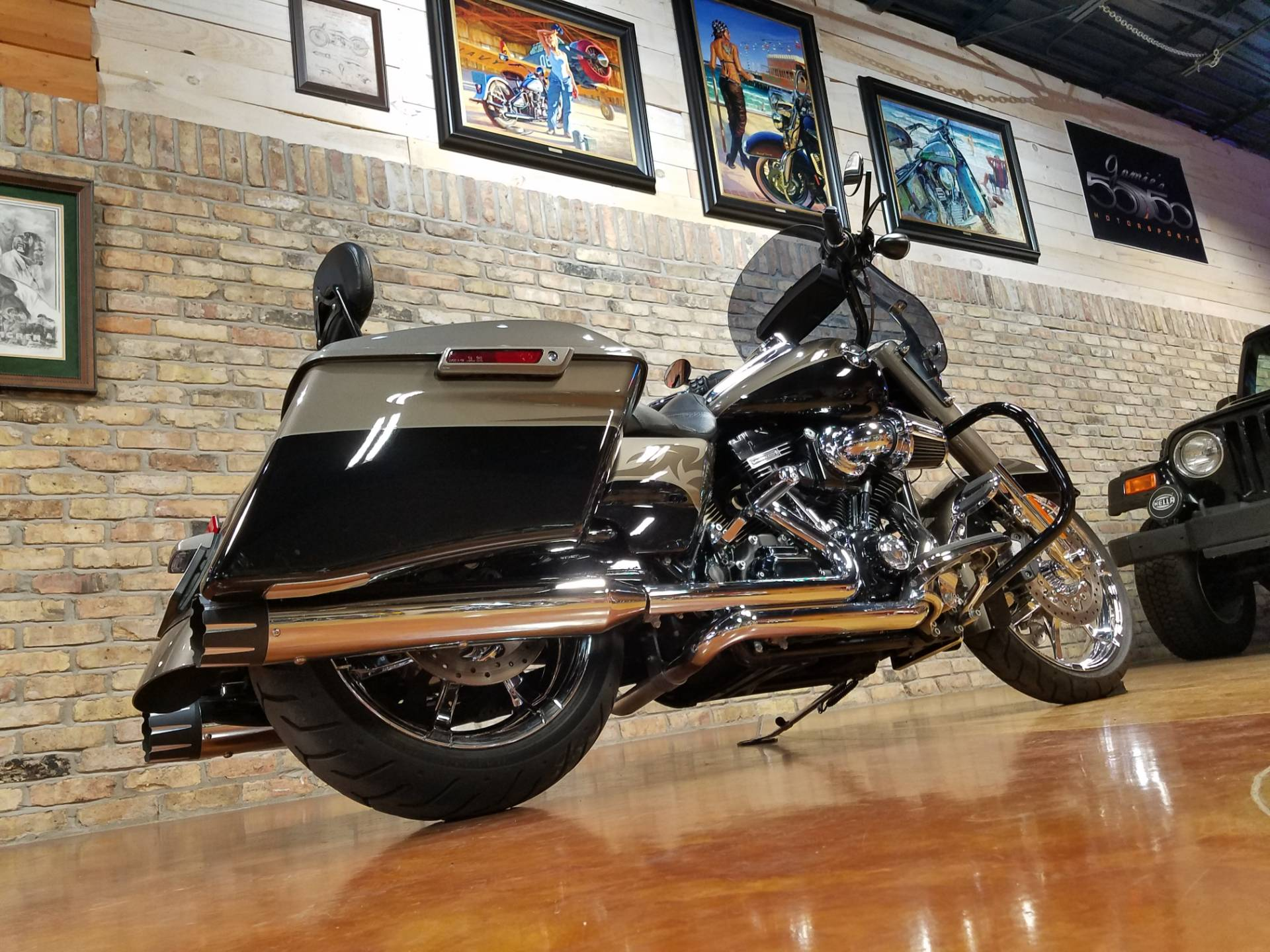 2014 Harley-Davidson CVO™ Road King® in Big Bend, Wisconsin - Photo 4