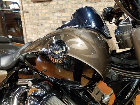 2014 Harley-Davidson CVO™ Road King® in Big Bend, Wisconsin - Photo 15