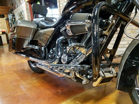 2014 Harley-Davidson CVO™ Road King® in Big Bend, Wisconsin - Photo 16