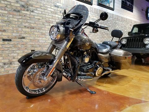 2014 Harley-Davidson CVO™ Road King® in Big Bend, Wisconsin - Photo 32