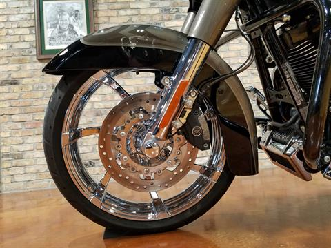 2014 Harley-Davidson CVO™ Road King® in Big Bend, Wisconsin - Photo 34