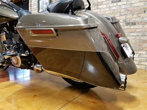 2014 Harley-Davidson CVO™ Road King® in Big Bend, Wisconsin - Photo 44