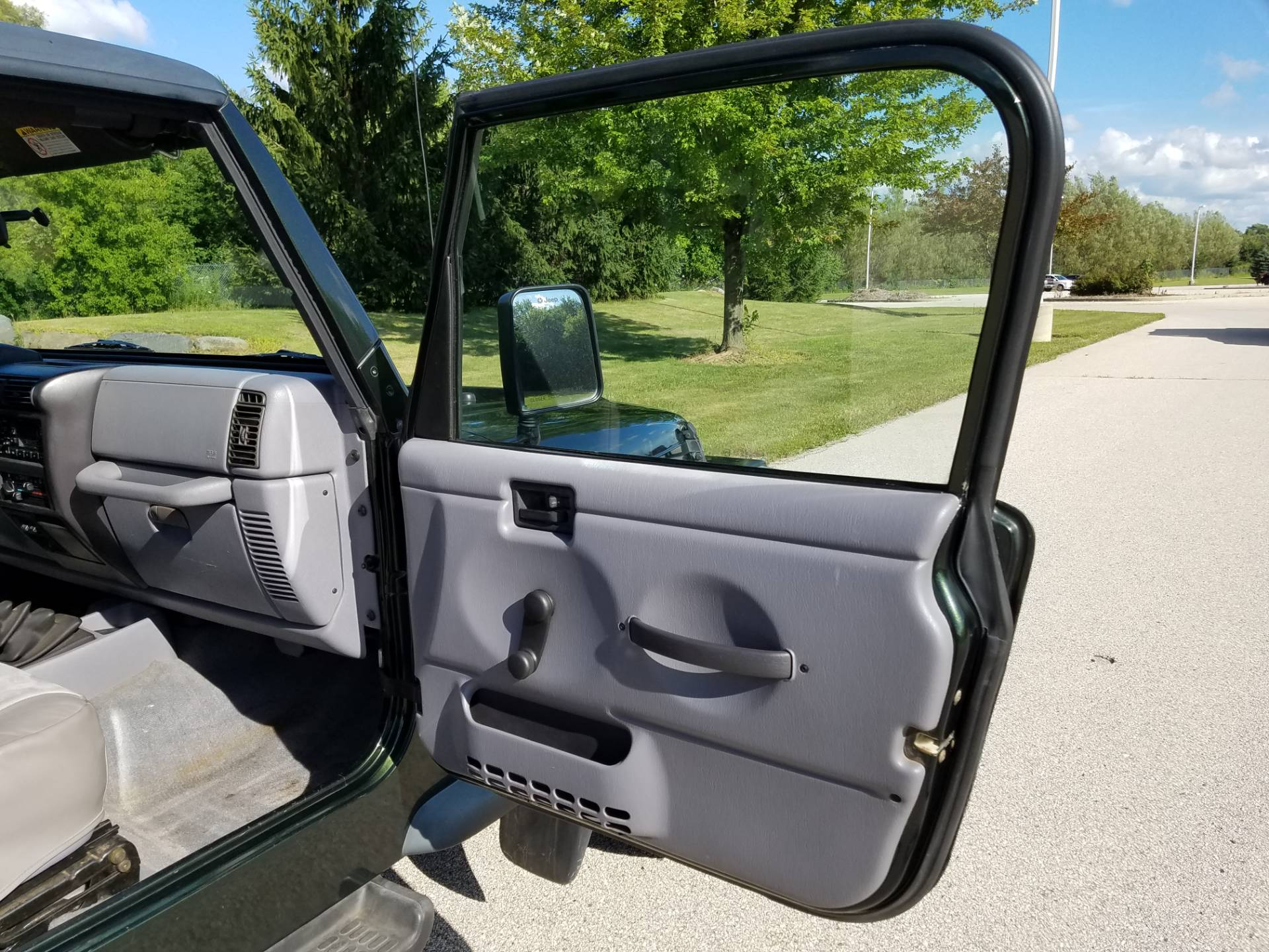1998 Jeep® Wrangler Sport in Big Bend, Wisconsin - Photo 19