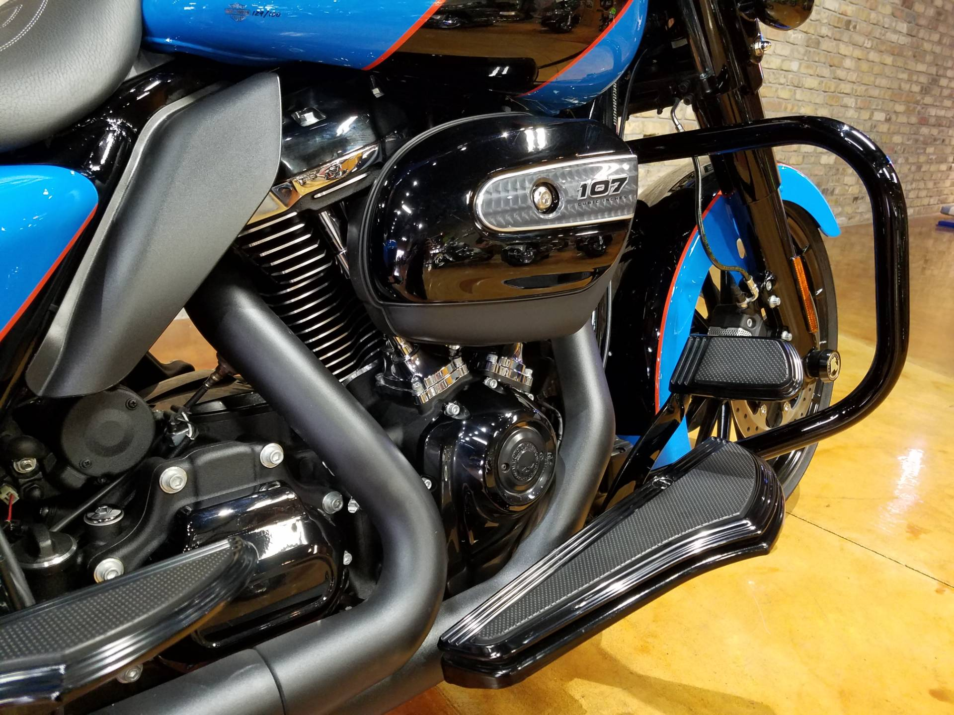 2018 Harley-Davidson FLHXS Street Glide Special in Big Bend, Wisconsin - Photo 9