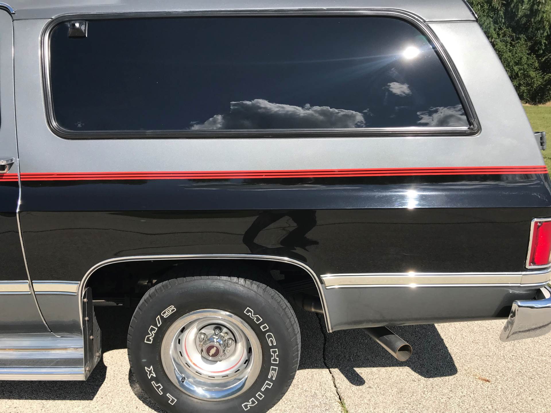 1987 Chevrolet Suburban Silverado in Big Bend, Wisconsin - Photo 35