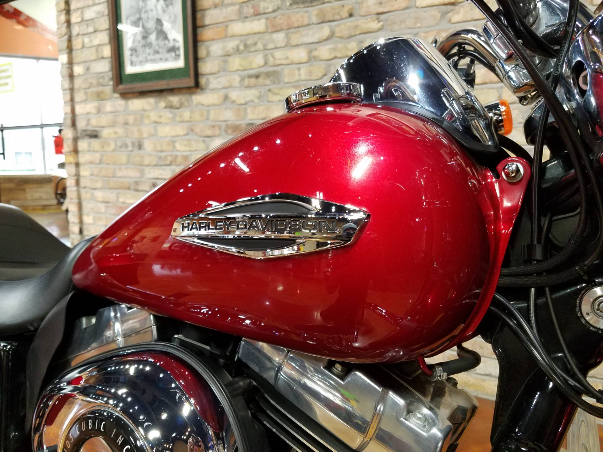 2012 Harley-Davidson Dyna® Switchback in Big Bend, Wisconsin - Photo 11