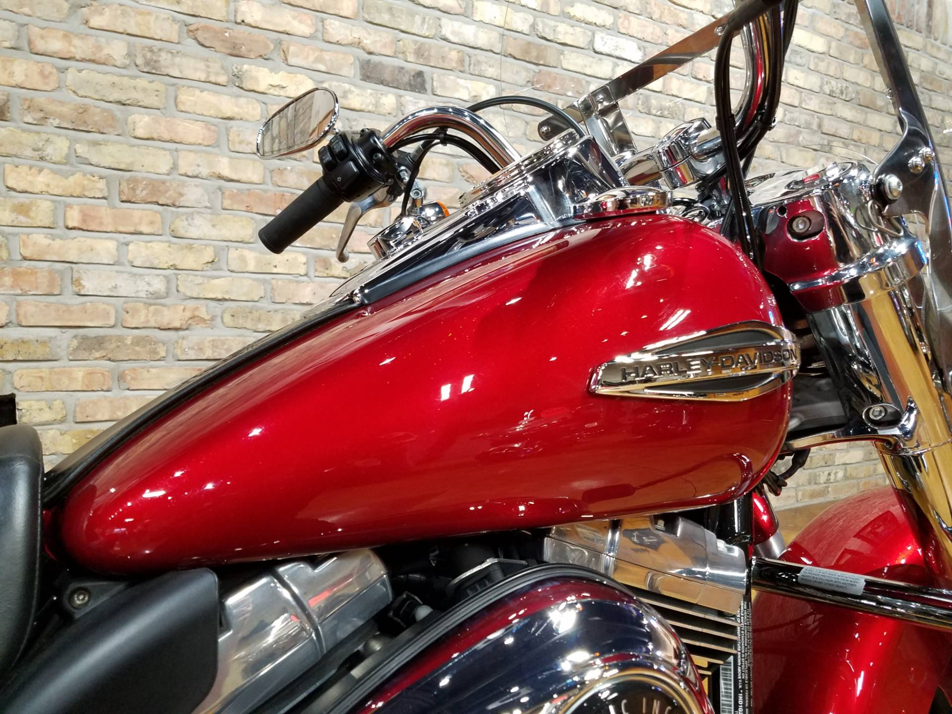 2012 Harley-Davidson Dyna® Switchback in Big Bend, Wisconsin - Photo 12