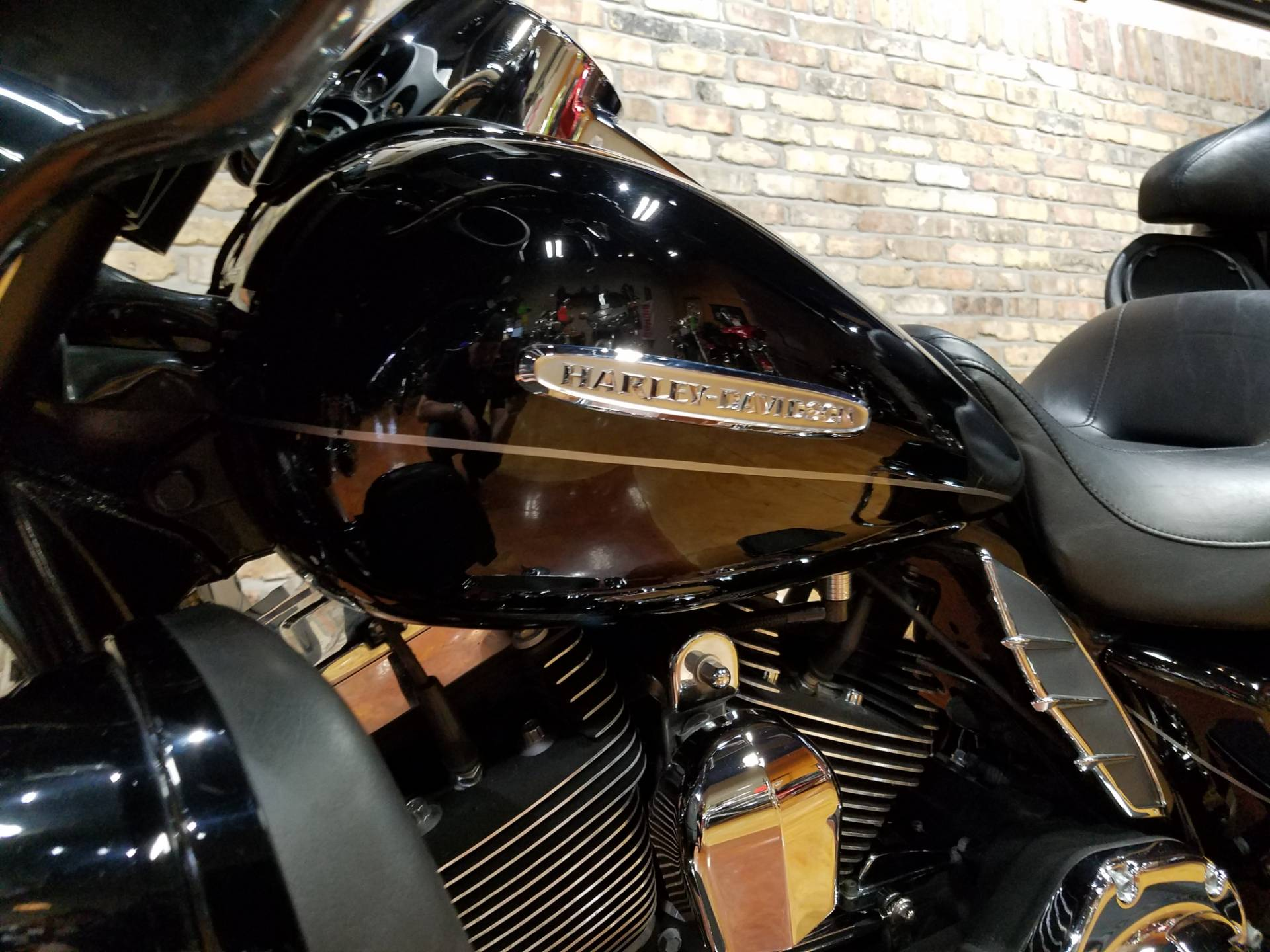 2013 Harley-Davidson Electra Glide® Ultra Limited in Big Bend, Wisconsin - Photo 9
