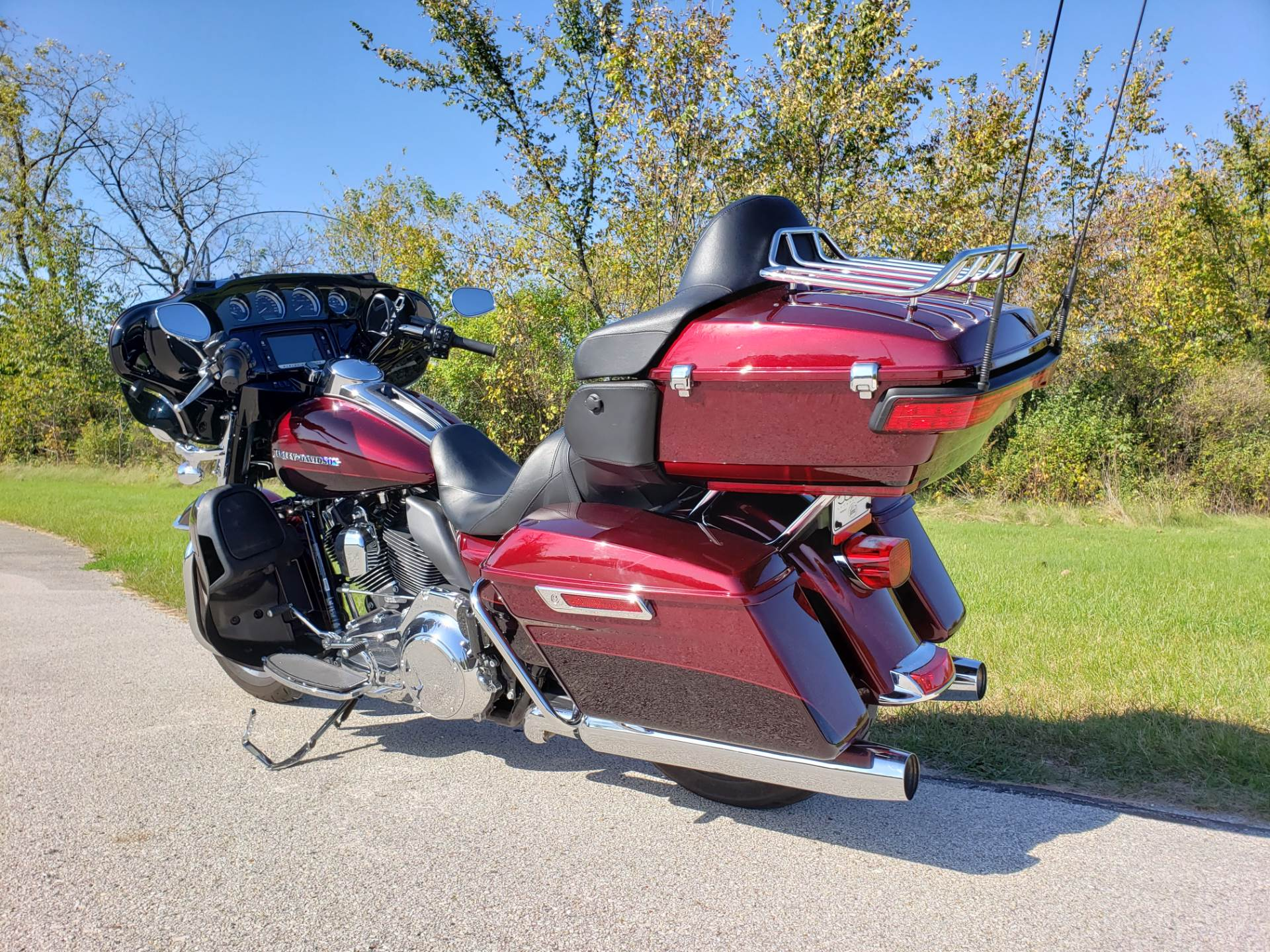 2015 Harley-Davidson Ultra Limited Low in Big Bend, Wisconsin - Photo 10