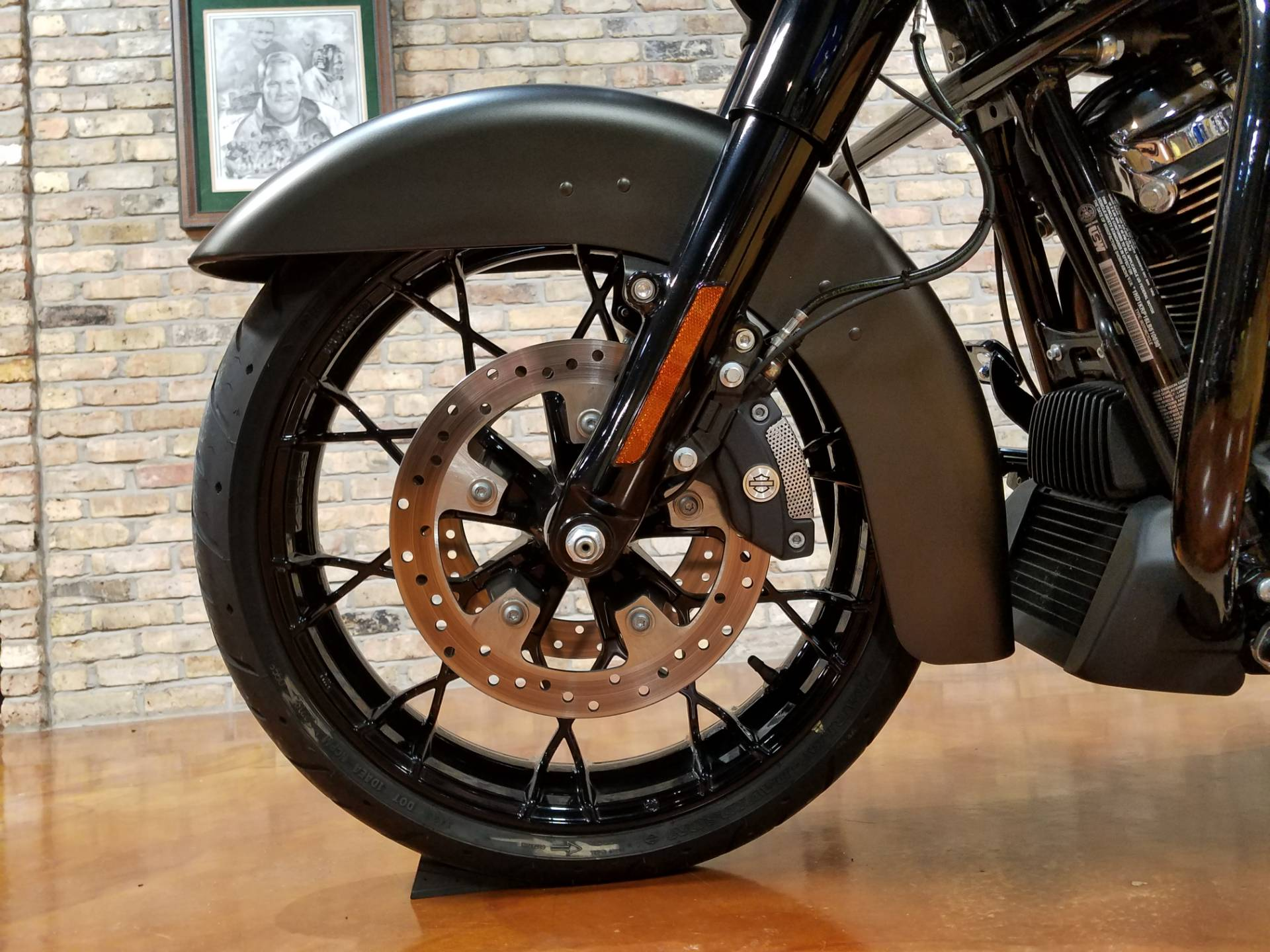 2020 Harley-Davidson Street Glide® Special in Big Bend, Wisconsin - Photo 32