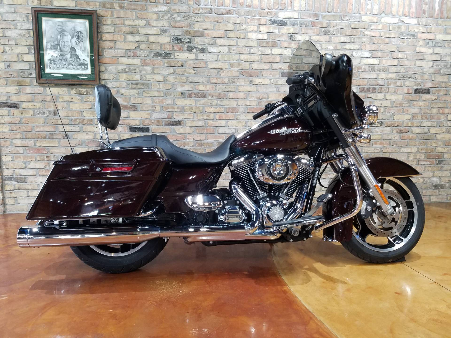 2011 Harley-Davidson Street Glide® in Big Bend, Wisconsin - Photo 57