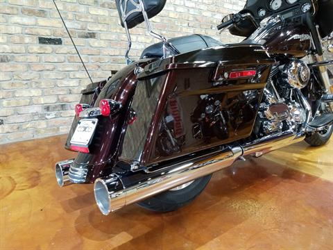 2011 Harley-Davidson Street Glide® in Big Bend, Wisconsin - Photo 6