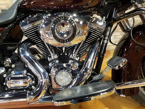 2011 Harley-Davidson Street Glide® in Big Bend, Wisconsin - Photo 10