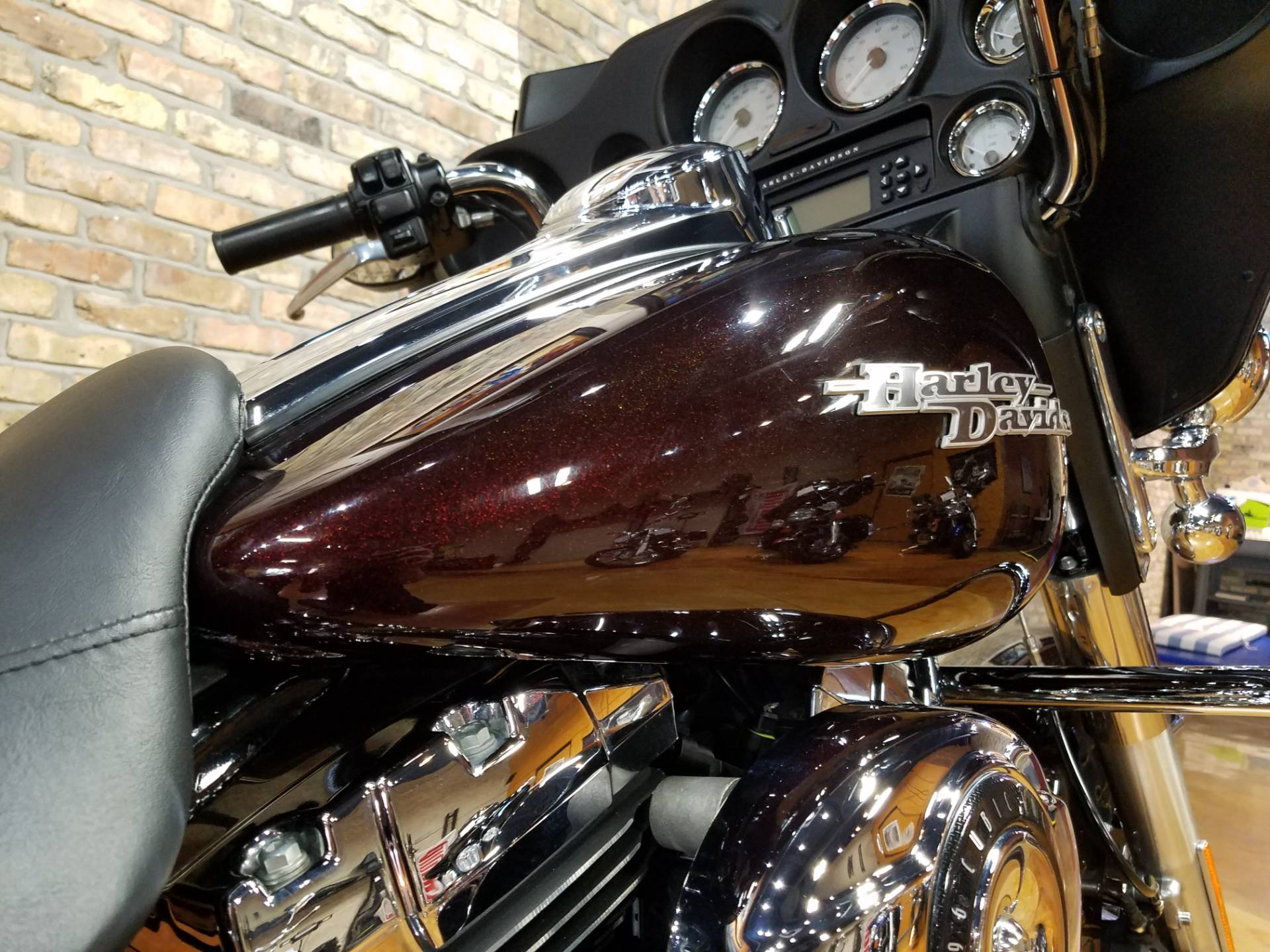 2011 Harley-Davidson Street Glide® in Big Bend, Wisconsin - Photo 13