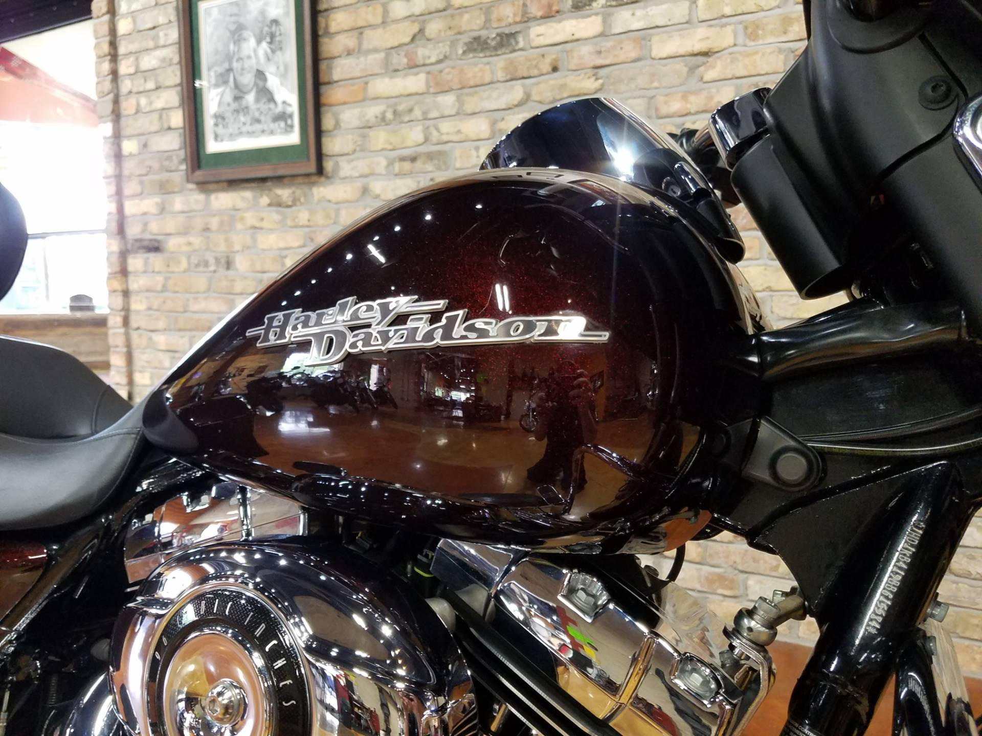 2011 Harley-Davidson Street Glide® in Big Bend, Wisconsin - Photo 14