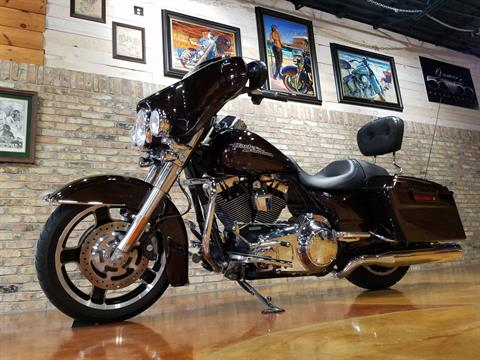 2011 Harley-Davidson Street Glide® in Big Bend, Wisconsin - Photo 32