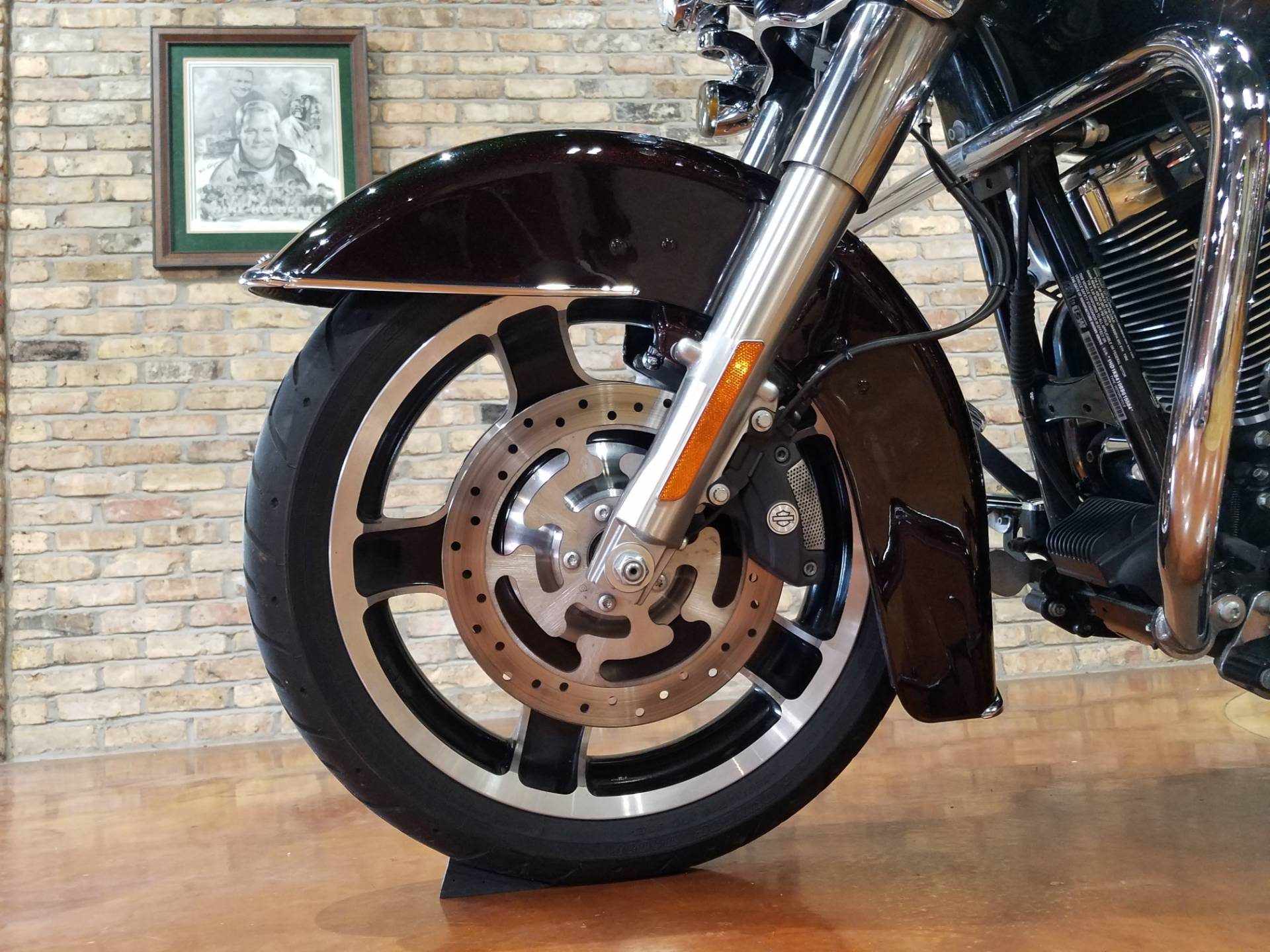 2011 Harley-Davidson Street Glide® in Big Bend, Wisconsin - Photo 33