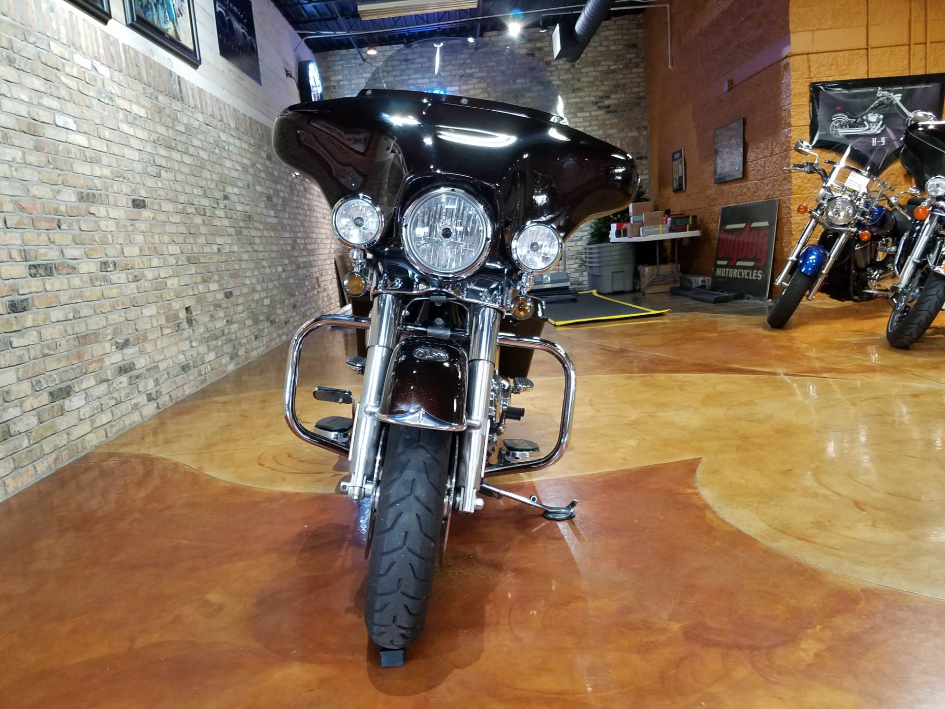2011 Harley-Davidson Street Glide® in Big Bend, Wisconsin - Photo 50