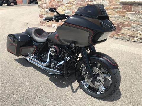 2015 Harley-Davidson Road Glide® Special in Big Bend, Wisconsin - Photo 9
