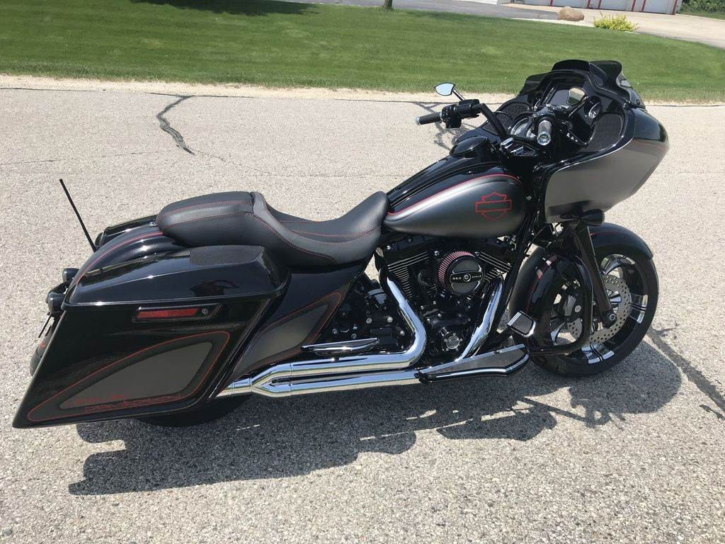 2015 Harley-Davidson Road Glide® Special in Big Bend, Wisconsin - Photo 13