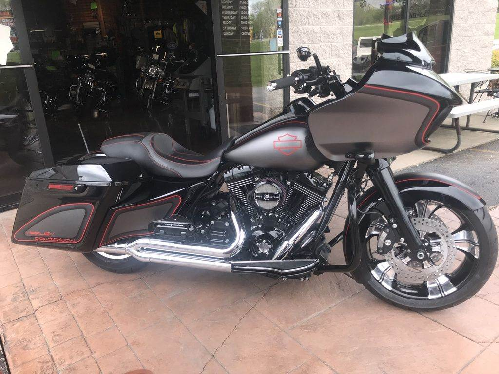2015 Harley-Davidson Road Glide® Special in Big Bend, Wisconsin - Photo 8