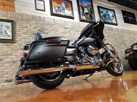 2015 Harley-Davidson Street Glide® Special in Big Bend, Wisconsin - Photo 4