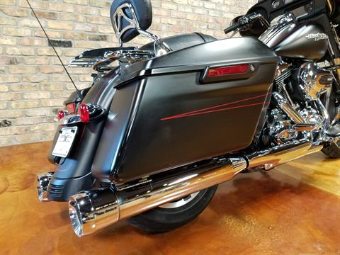 2015 Harley-Davidson Street Glide® Special in Big Bend, Wisconsin - Photo 5