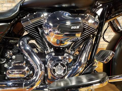 2015 Harley-Davidson Street Glide® Special in Big Bend, Wisconsin - Photo 9