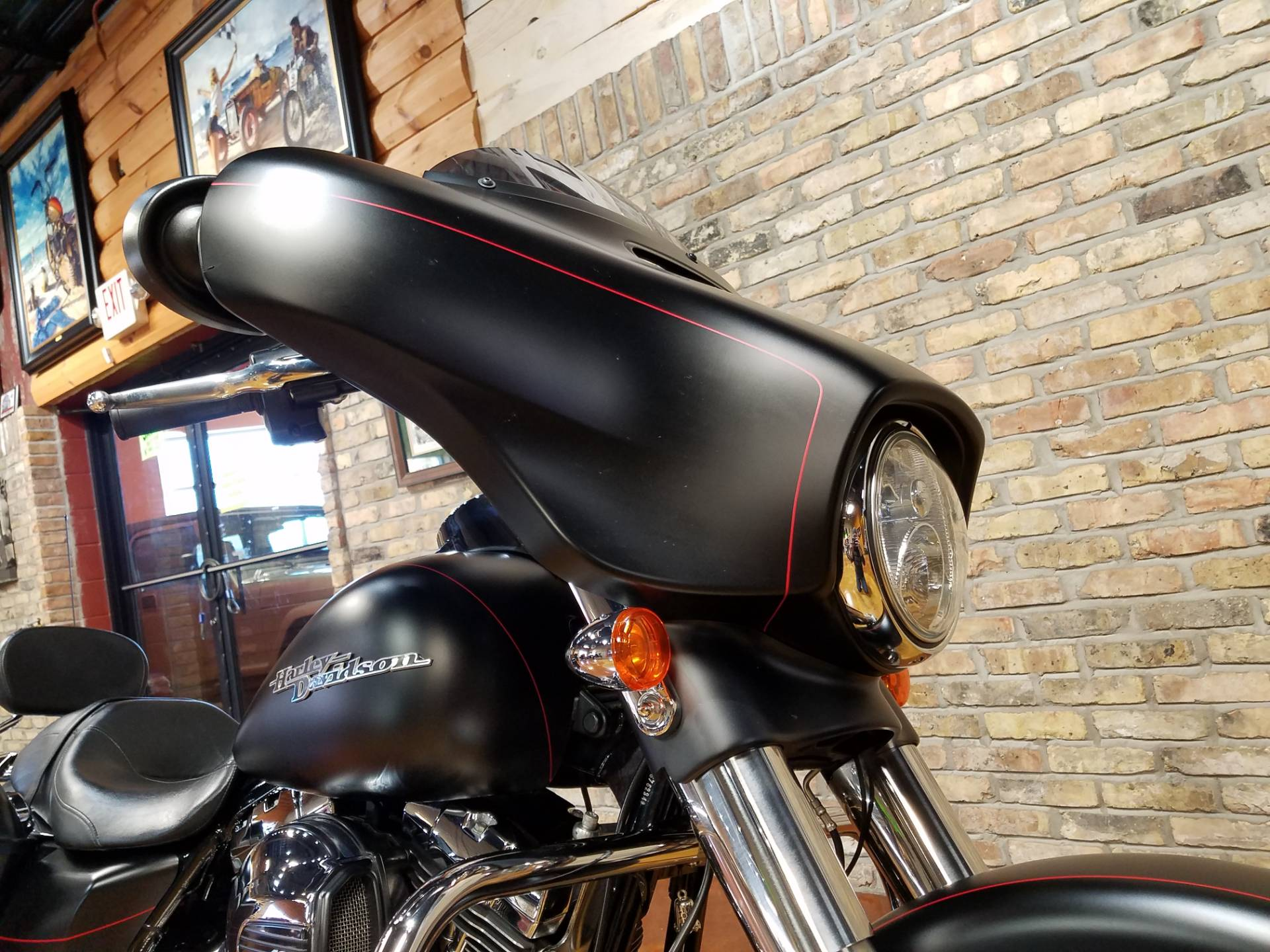 2015 Harley-Davidson Street Glide® Special in Big Bend, Wisconsin - Photo 16