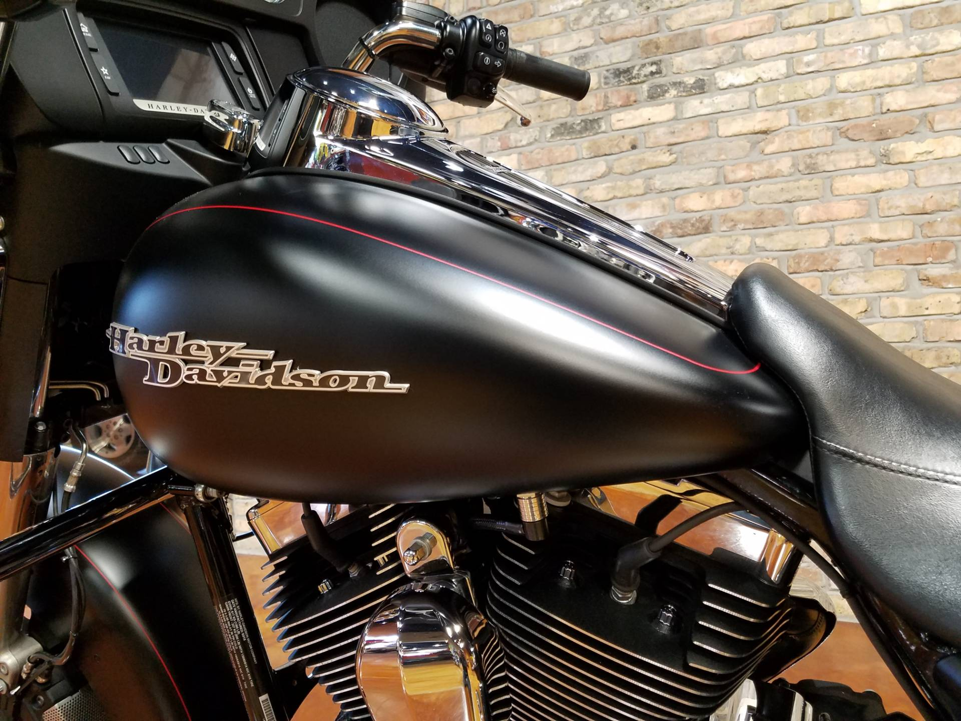 2015 Harley-Davidson Street Glide® Special in Big Bend, Wisconsin - Photo 35