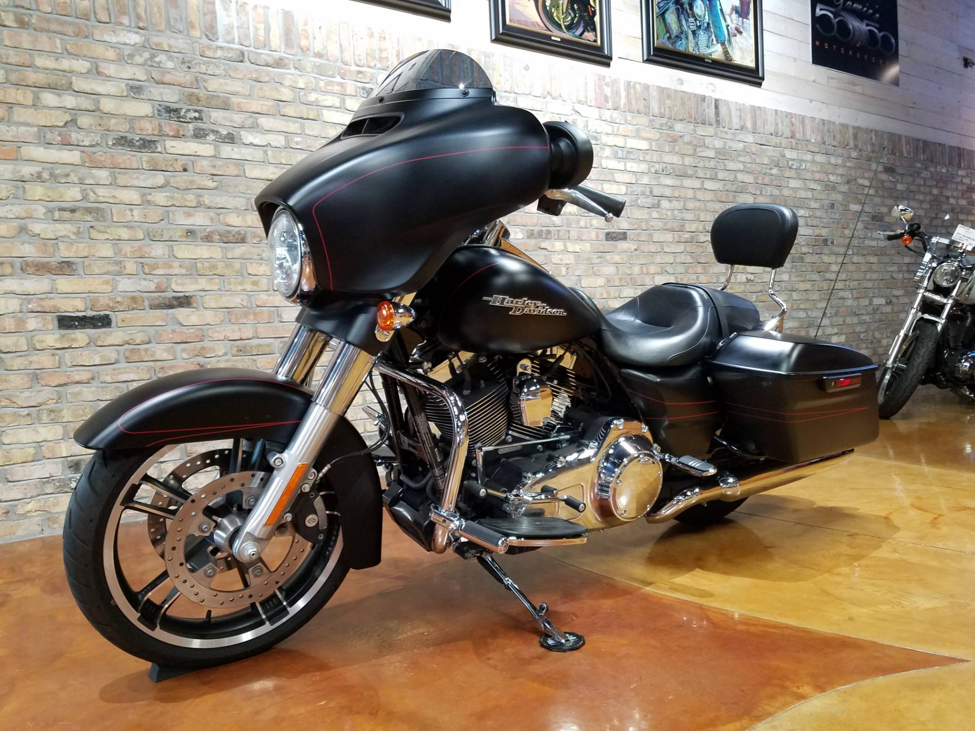2015 Harley-Davidson Street Glide® Special in Big Bend, Wisconsin - Photo 31
