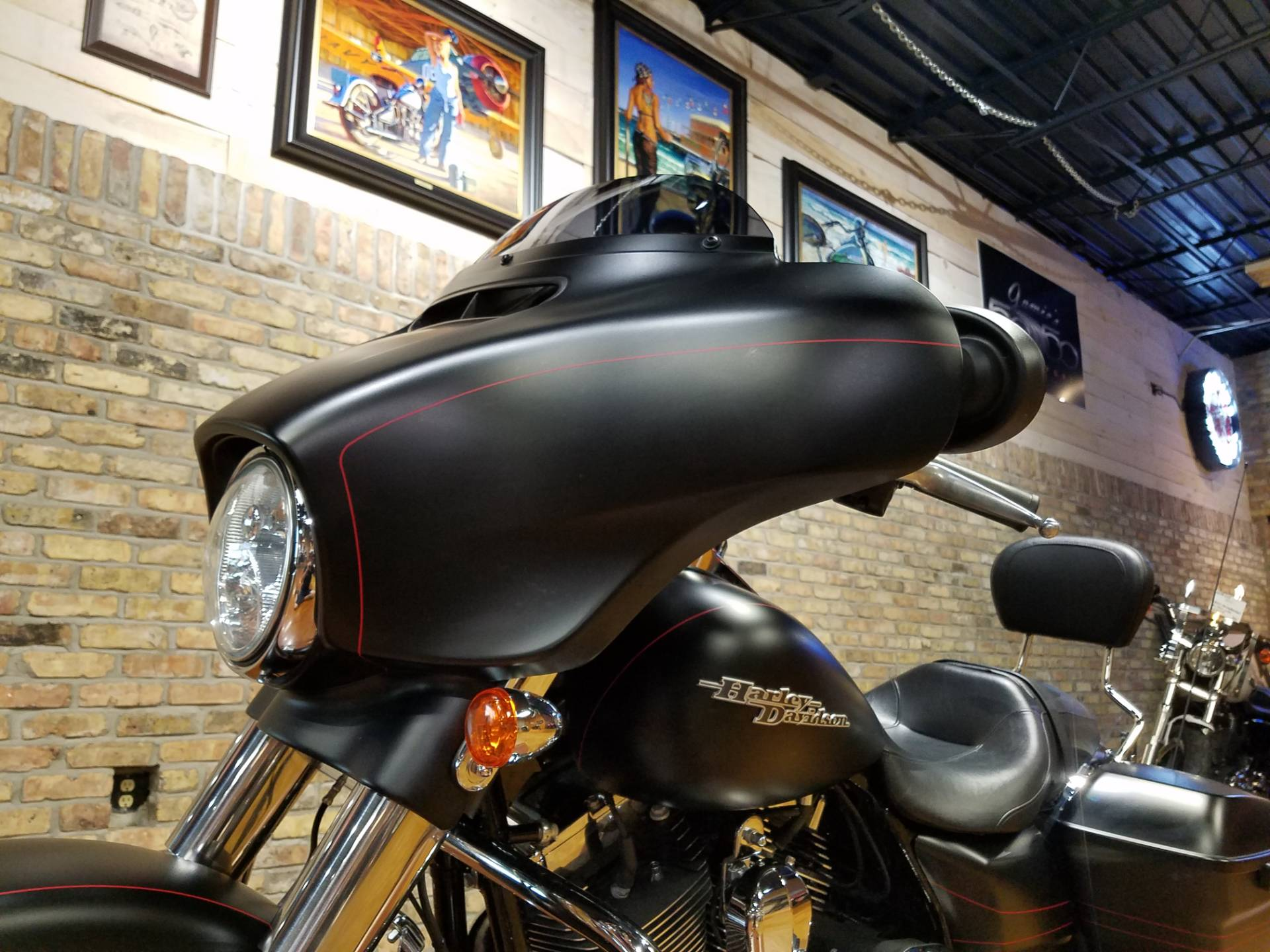 2015 Harley-Davidson Street Glide® Special in Big Bend, Wisconsin - Photo 34