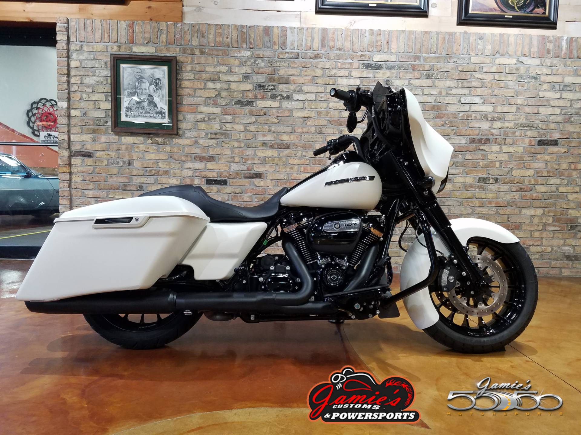 2018 Harley-Davidson Street Glide® Special in Big Bend, Wisconsin - Photo 1