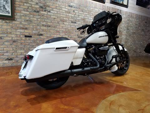 2018 Harley-Davidson Street Glide® Special in Big Bend, Wisconsin - Photo 3