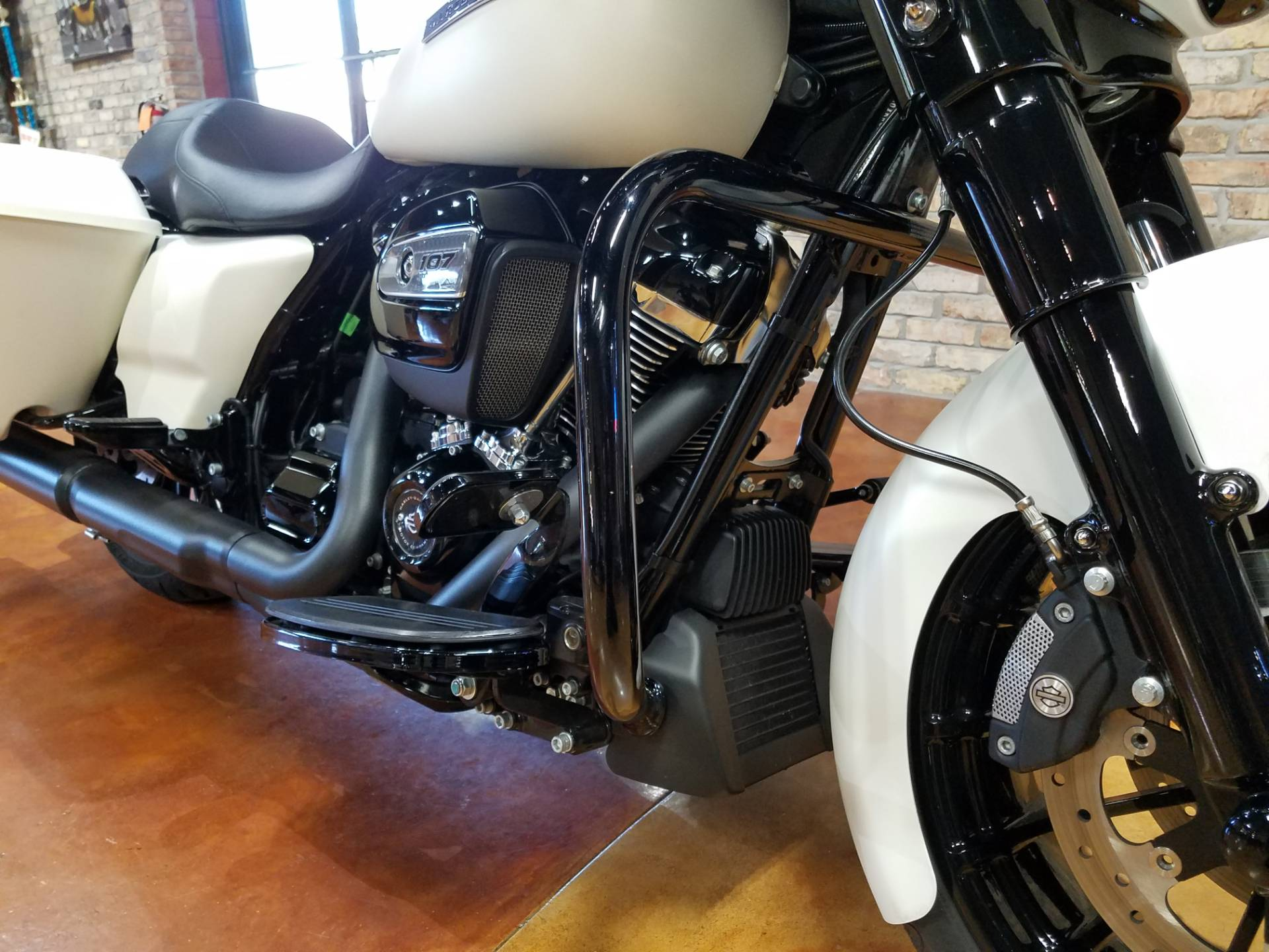 2018 Harley-Davidson Street Glide® Special in Big Bend, Wisconsin - Photo 14