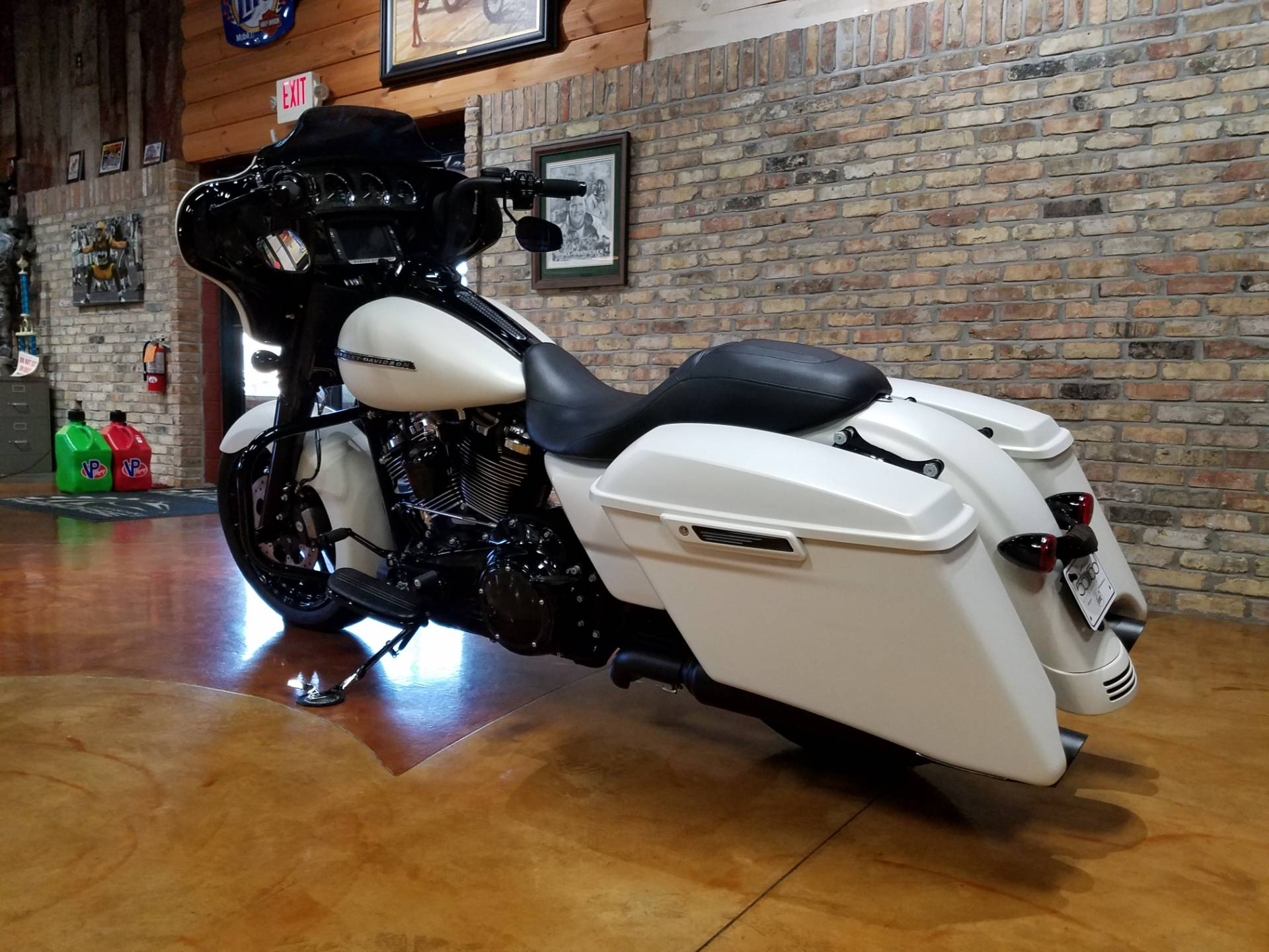 2018 Harley-Davidson Street Glide® Special in Big Bend, Wisconsin - Photo 29