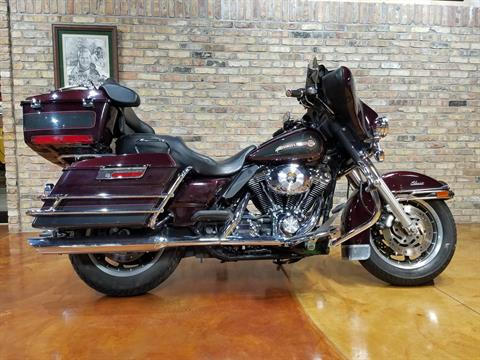 2005 Harley-Davidson FLHTC/FLHTCI Electra Glide® Classic in Big Bend, Wisconsin - Photo 63
