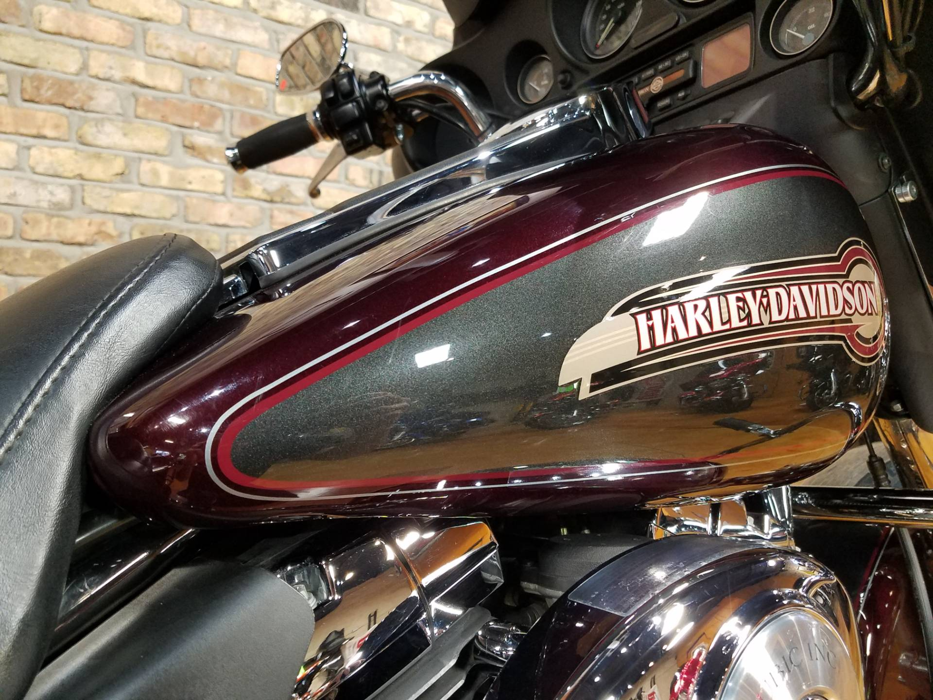 2005 Harley-Davidson FLHTC/FLHTCI Electra Glide® Classic in Big Bend, Wisconsin - Photo 15