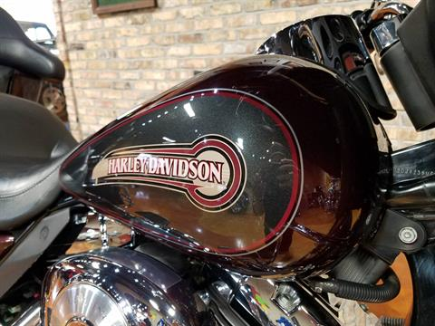 2005 Harley-Davidson FLHTC/FLHTCI Electra Glide® Classic in Big Bend, Wisconsin - Photo 16