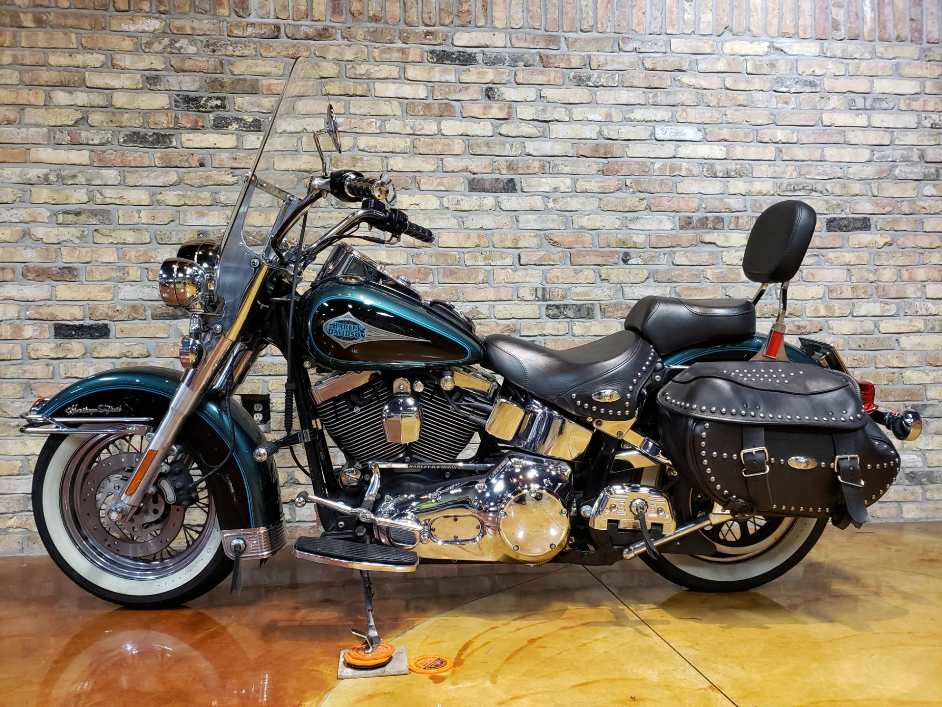 2000 Harley-Davidson FLSTC Heritage Softail® Classic in Big Bend, Wisconsin - Photo 19