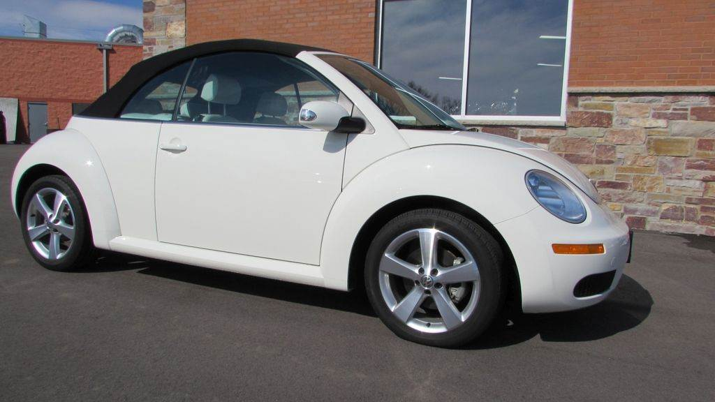 2007 Volkswagen 2007 Volkswagen Beetle Convertible in Big Bend, Wisconsin - Photo 4