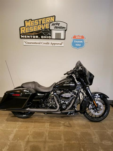 2018 Harley-Davidson Street Glide® Special in Mentor, Ohio