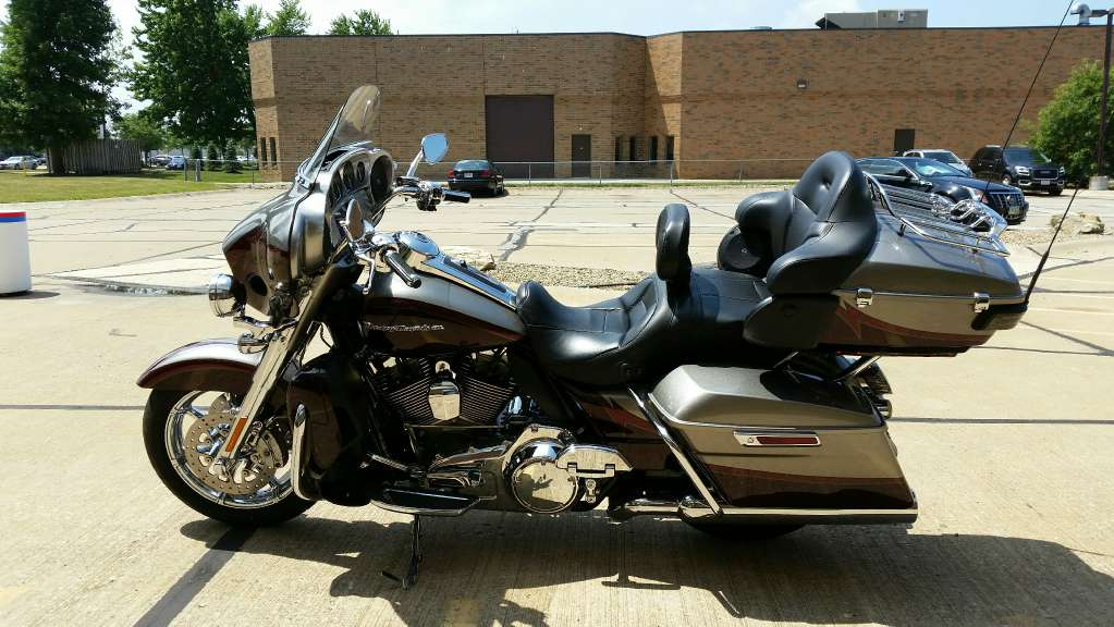 2015 Harley-Davidson CVO™ Limited in Mentor, Ohio