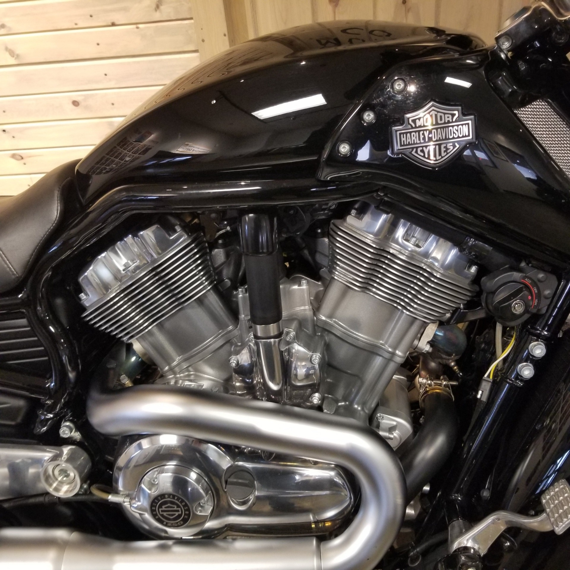 2013 Harley-Davidson V-Rod Muscle® in Mentor, Ohio - Photo 2