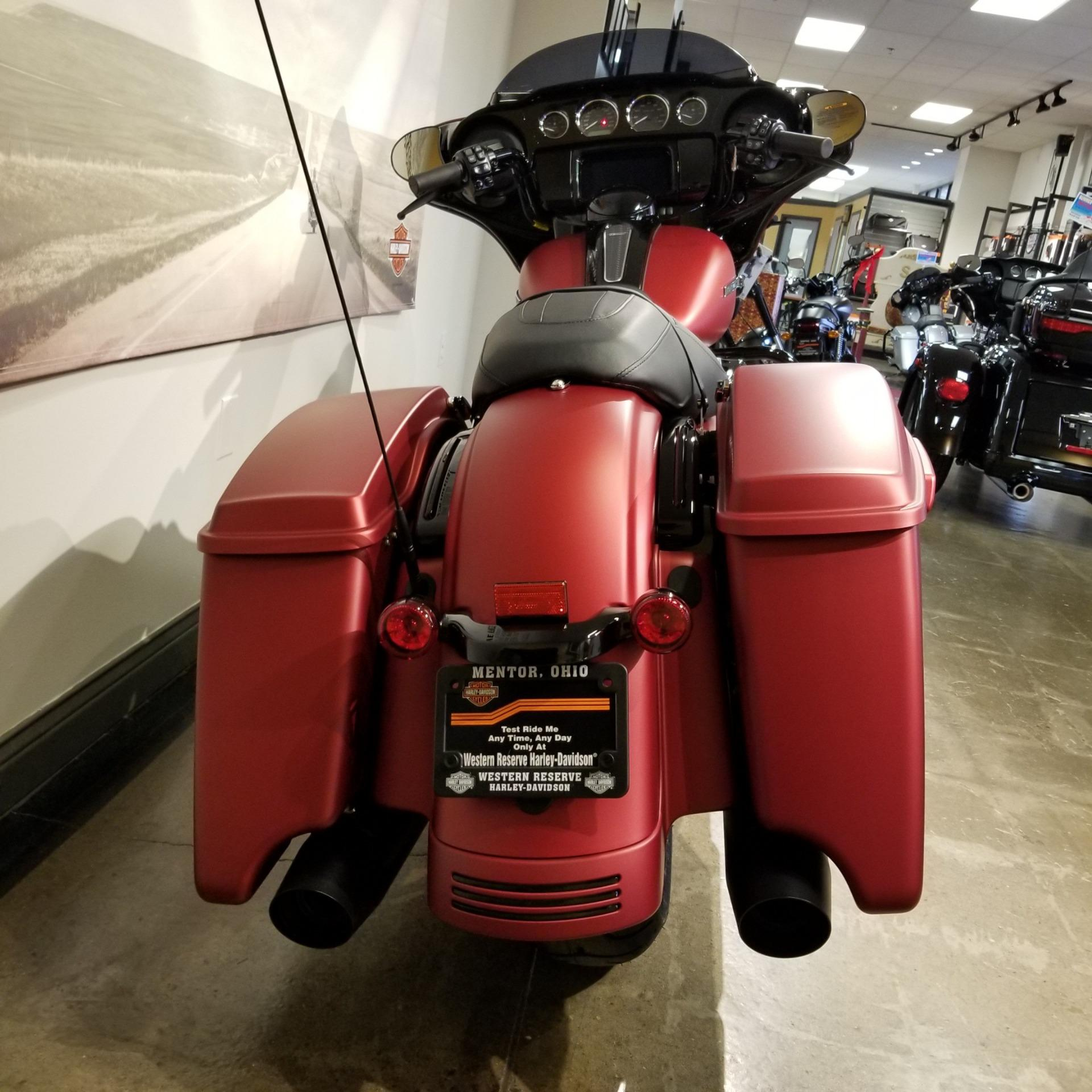 2019 Harley-Davidson Street Glide Special 4