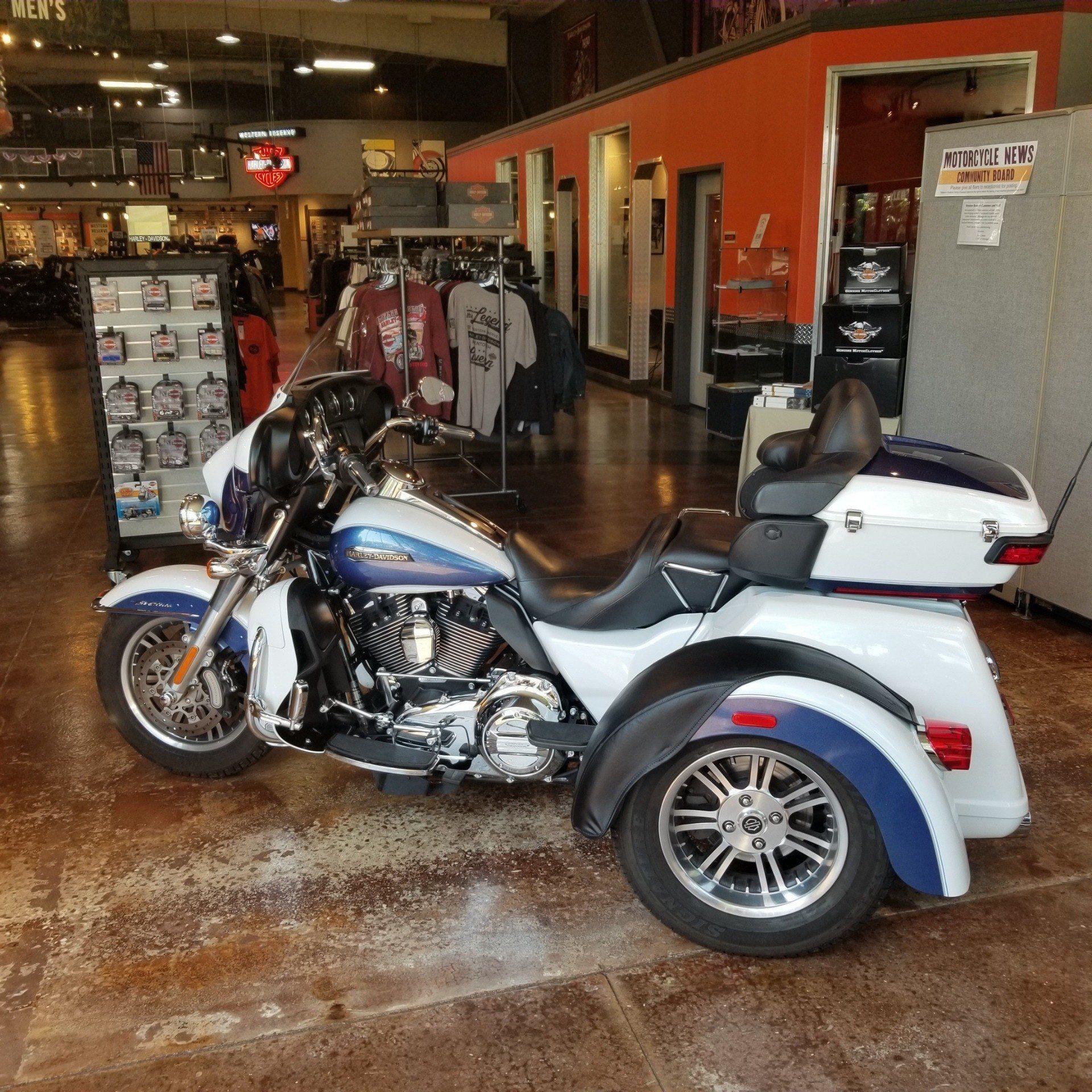 2015 Harley-Davidson Tri Glide® Ultra in Mentor, Ohio
