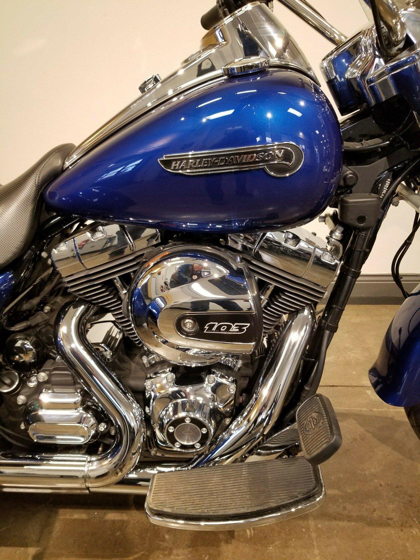 2015 Harley-Davidson Freewheeler 1